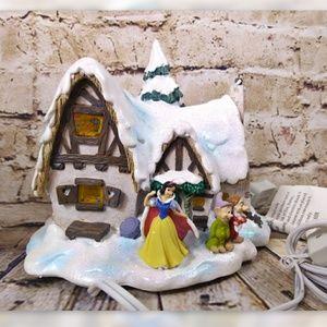 Snow White Christmas House Lights Up Disney Dwarf